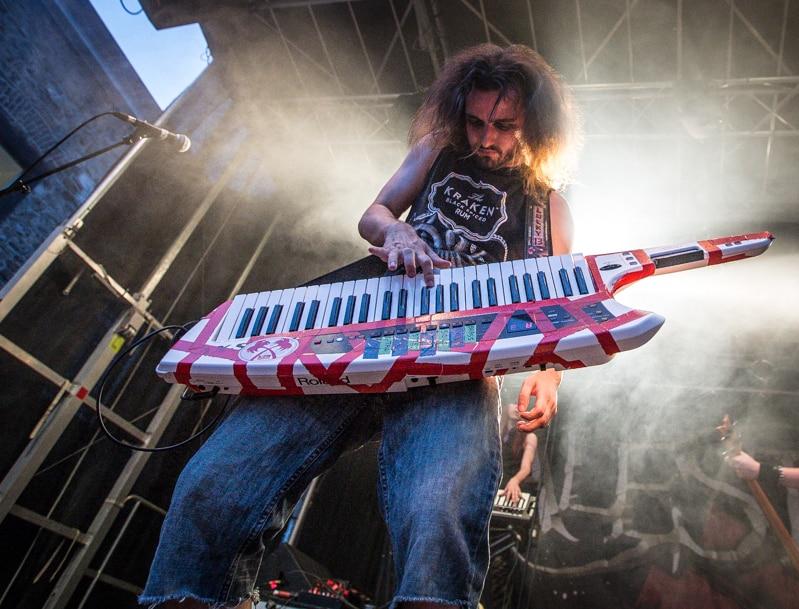 alestorm-burgfolk-festival-2013-16