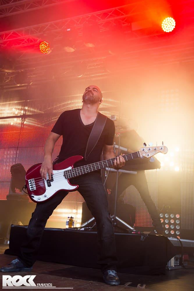 Die finnische Rockband Sunrise Avenue live im Tanzbrunnen Köln.