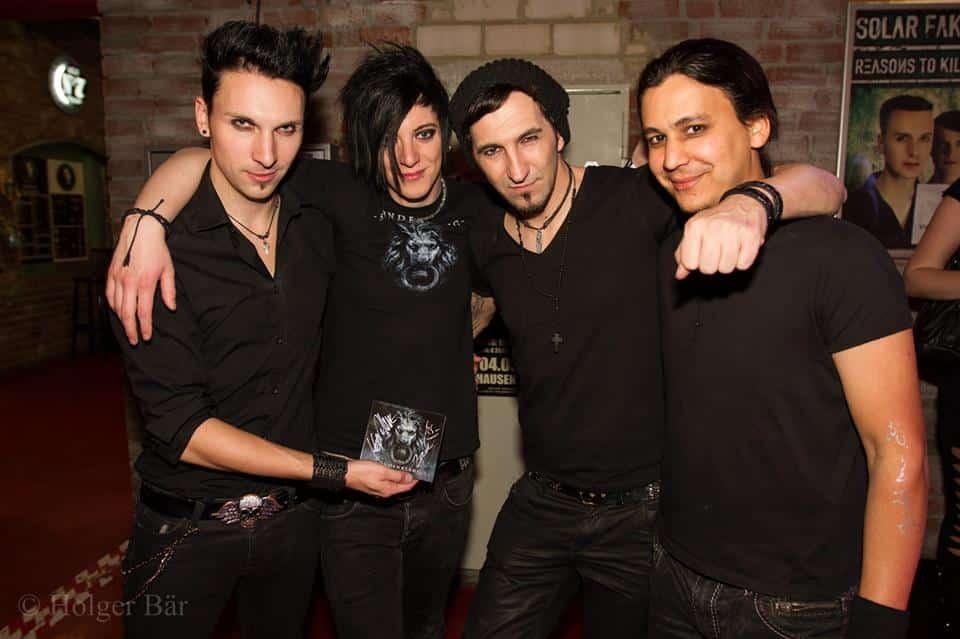 Gewinnspiel : Unterschriebenes Album  Sündenklang - Tränenreich