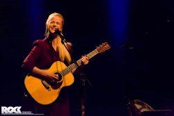 Tina Dico live in der Mitsubishi Electric Halle Düsseldorf. Foto: Steffie Wunderl